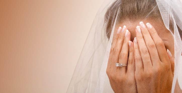 http://thelibertarianrepublic.com/wp-content/uploads/2013/09/sad-bride.jpg