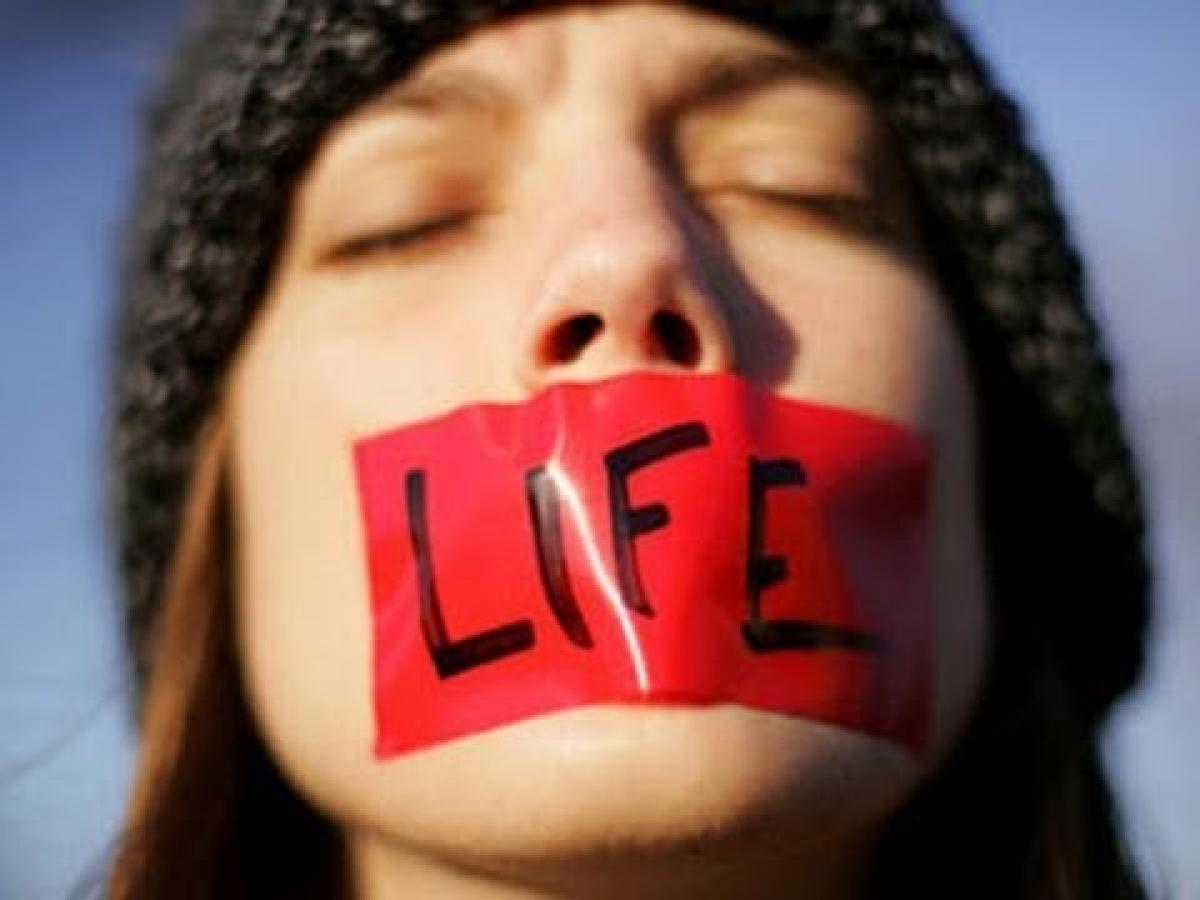 abortion pro life vs pro choice essay words pro choice or pro life essay abortion 123helpmecom