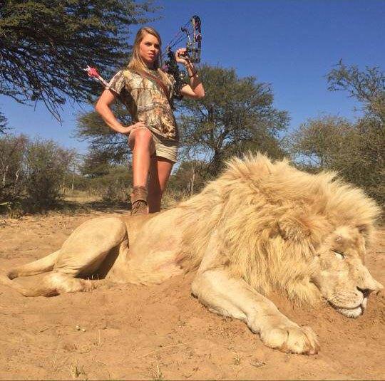 kendall-jones-hunting-texas-cheerleader-lion-bow (1)