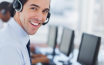 call-center-man-in-front-of-computers