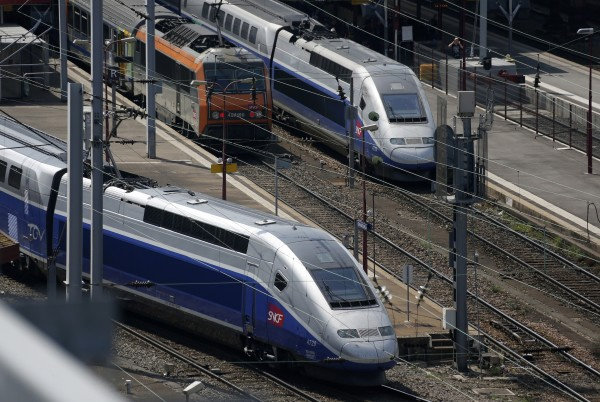 Here Are 5 Big Reasons California's High-Speed Rail Project Became The 'Train To Nowhere'
