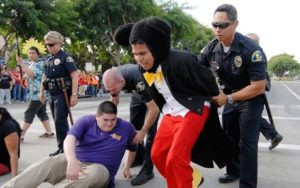 mickey-mouse-arrest_791131c