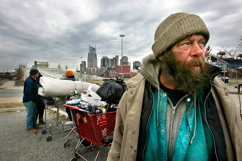 7 Ways You Can Help Homeless Individuals in Your Community