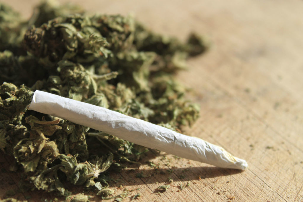 an analysis of the legalization smoking of marijuana A report on marijuana and prescription drugs prescription drug misuse in america 1 quest diagnostics health trends prescription drug monitoring report 2013 table of.