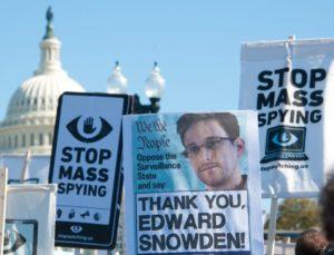 Eddie-Snowden-930x710