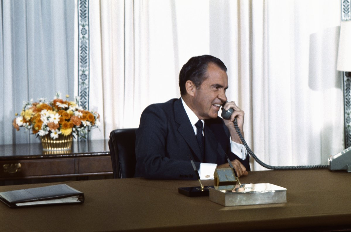 Richard Nixon Library Trolls Alternative Facts on Twitter: Nixon Never Fired FBI Director