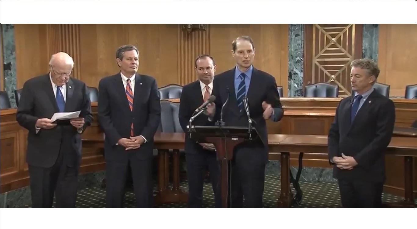 Ron Wyden, Rand Paul Are Right to Demand Debate Over Warrantless Mass Surveillance