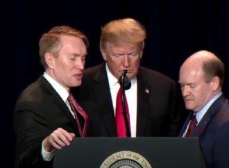 Prayer for the President Unites Political Foes at National Prayer Breakfast