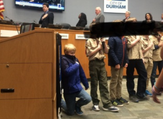 Mayor Praises Cub Scout For Kneeling During National Anthem at City Council Meeting
