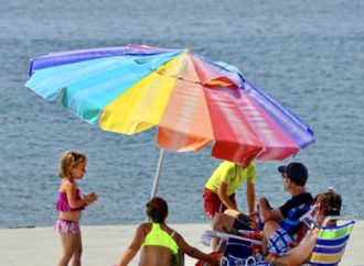 This Memorial Day, Lawmakers Seek to Protect Americans from Beach Umbrellas
