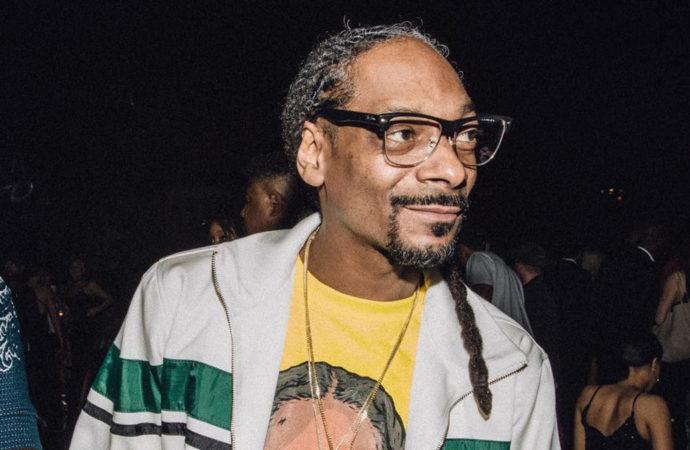 'Ban Me Mother F**ker': Snoop Dog Flips Out After Facebook Bans Louis Farrakhan