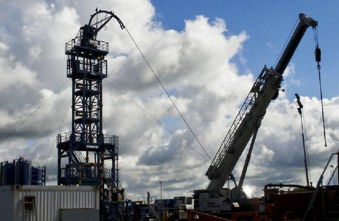 Harris, Sanders, Warren Stay Mum On Fracking Ban Proposals After Attack Sends Oil Markets Soaring
